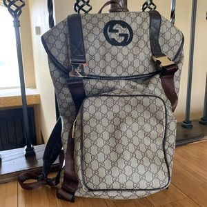 Gucci messenger backpack